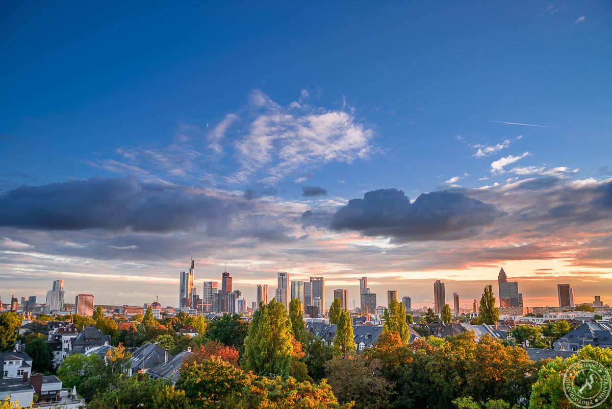 Frankfurt Im Herbst Kurz Bevor Die Sonne Unter Geht