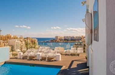 Malta_StJulians_SpinolaBay-25