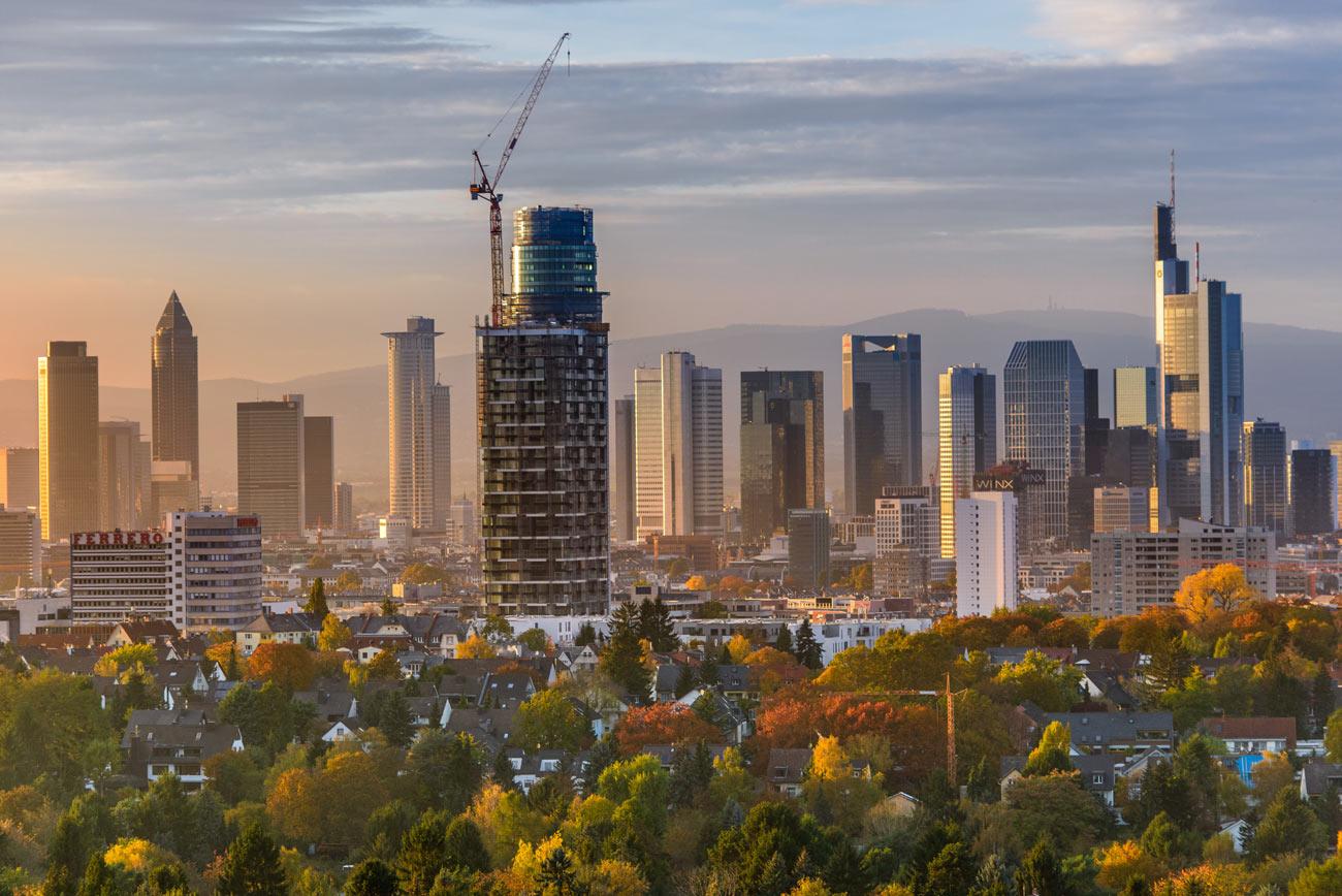 Vom Goetheturm aus, ein Blick auf die Frankfurter Skyline